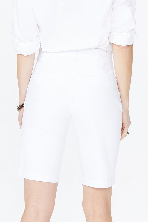 NYDJ - Twill Bermuda Shorts in Optic White (MAQY3766)