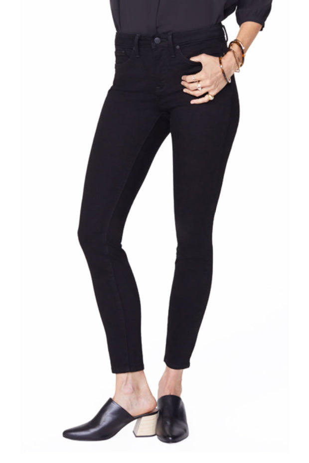 Ami Skinny Jeans in Black