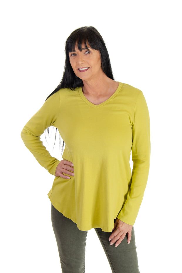 V-neck Shirttail Top in Relish