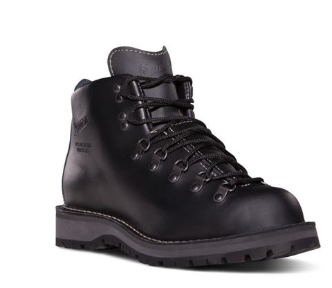 Danner MOUNTAIN LIGHT II BLACK Boots 5 inches heigh black laces small heel boots worn in the James Bond movie spectre