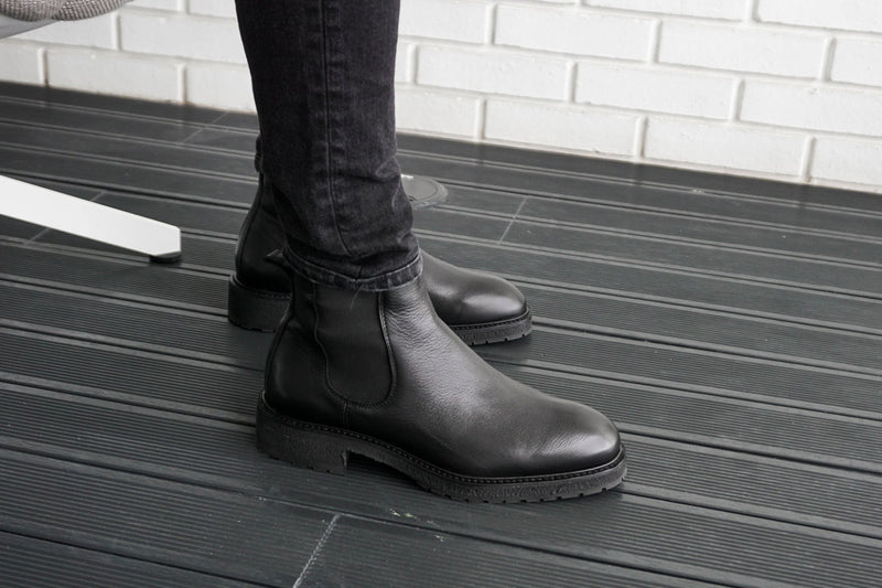 Winter Chelsea Boots - Black Leather