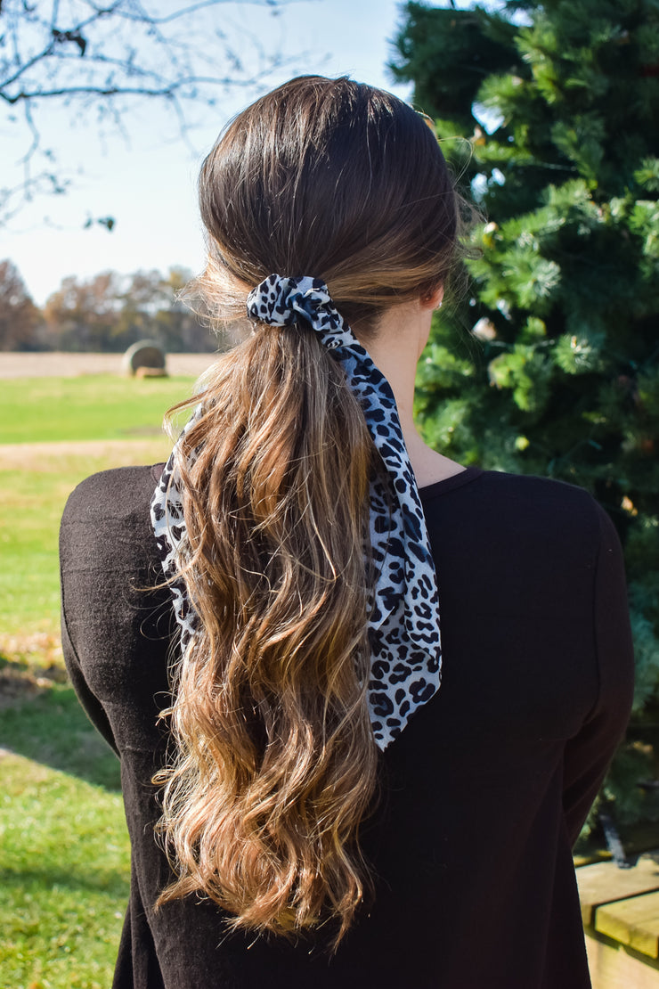 Queen of the Jungle - Hair Scarf Scrunchie - Jaguar White Black Grey