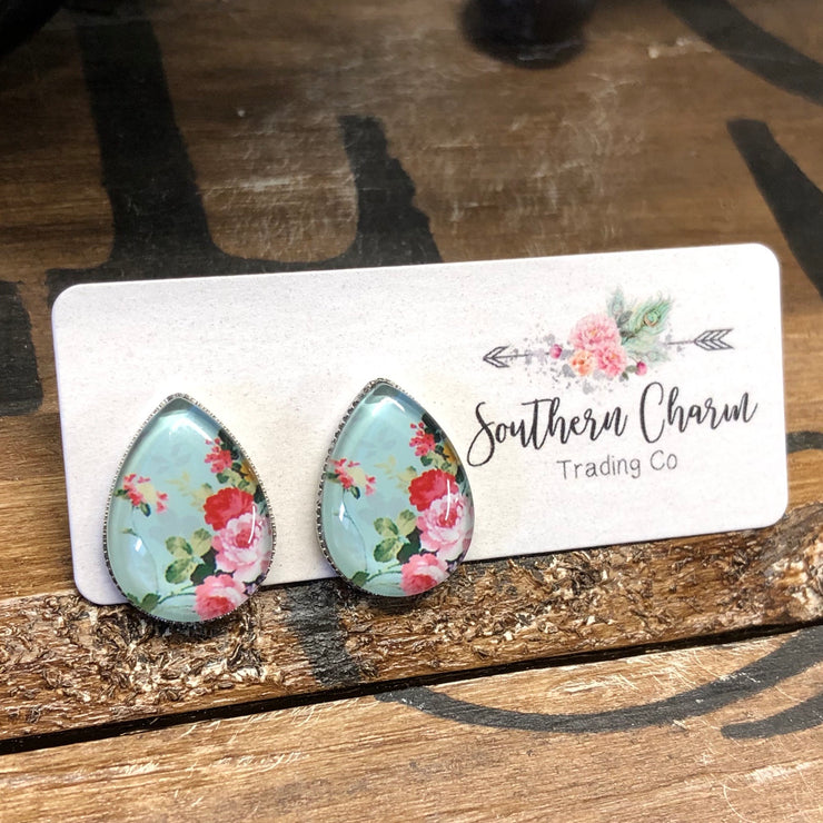 Earrings - Wagon Wheel - Pink Roses on Mint Teardrops