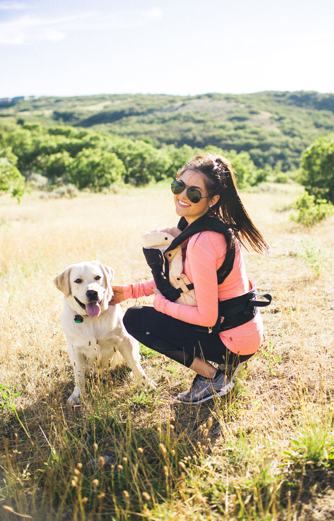 ergo-baby-carrier-on-a-hike