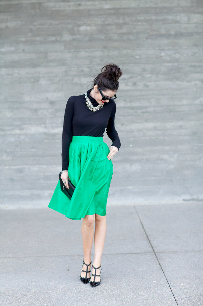 kelly-green-party-skirts