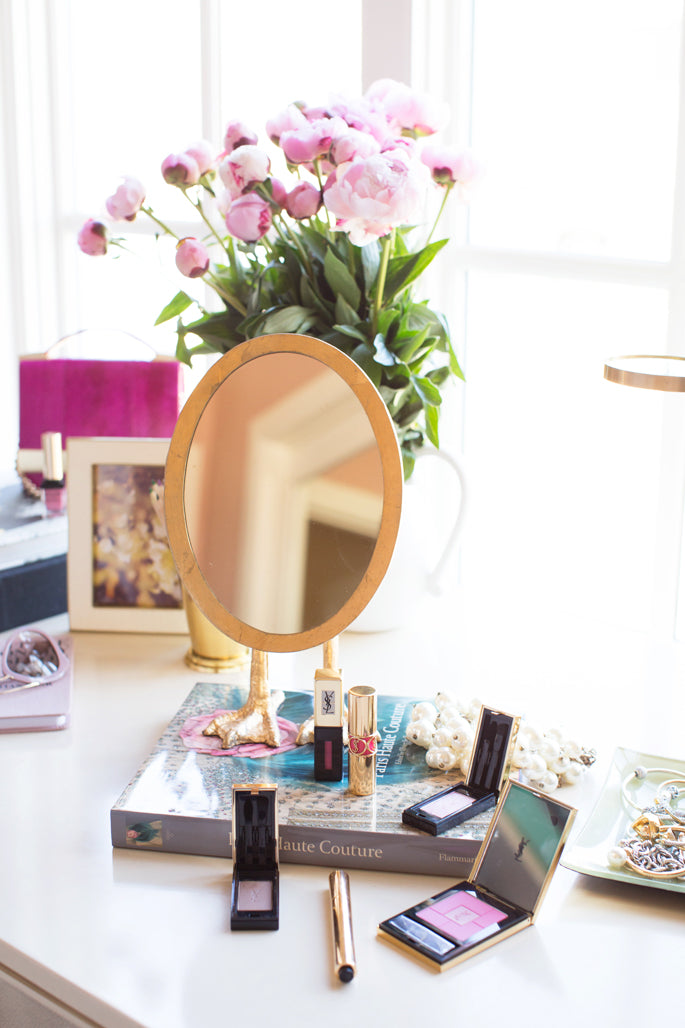 makeup-vanity-decor