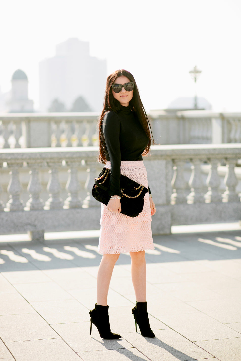 pink-lace-skirt-rachel-parcell-clothing-line - 3