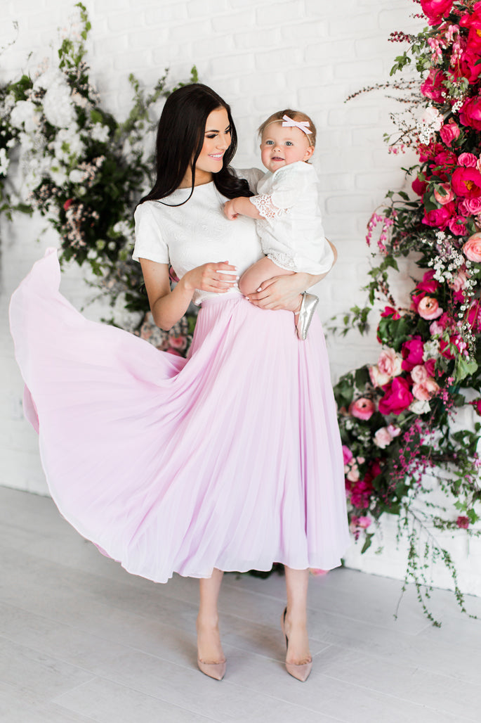 pink-peonies-clothing-line-blogger