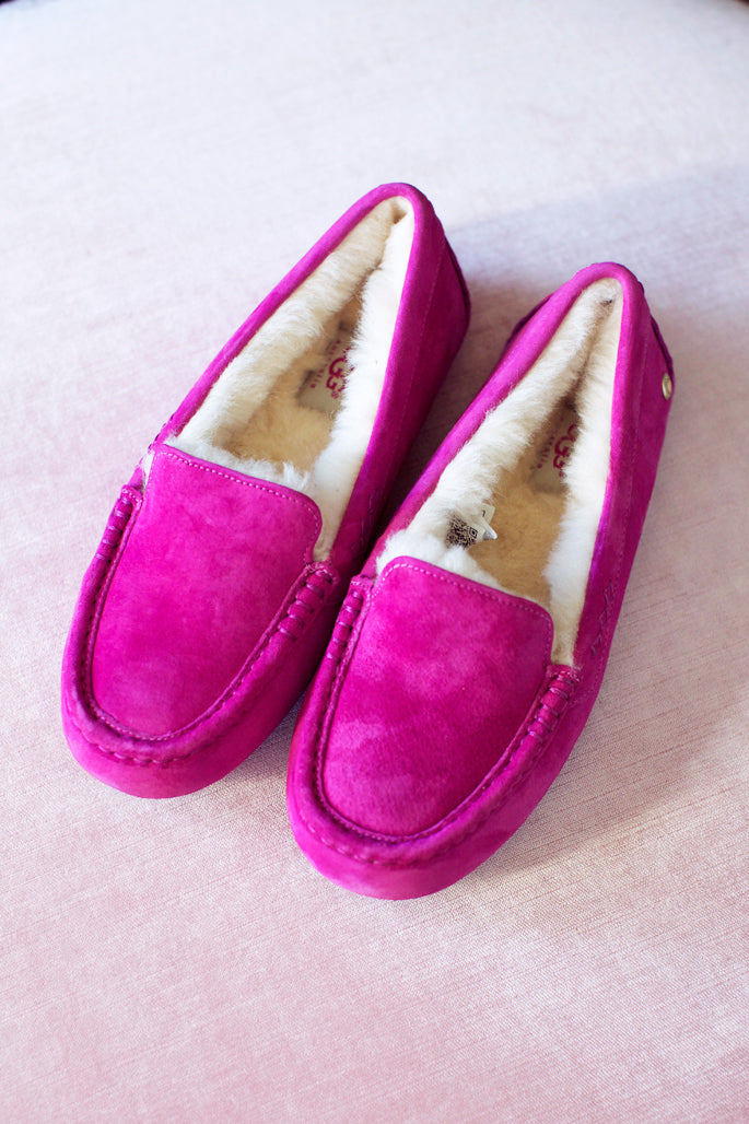 pink-ugg-slippers