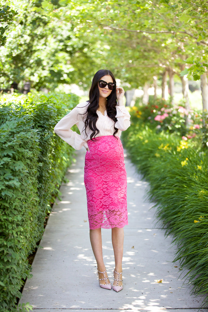 rachel-parcell-pink-lace-skirt