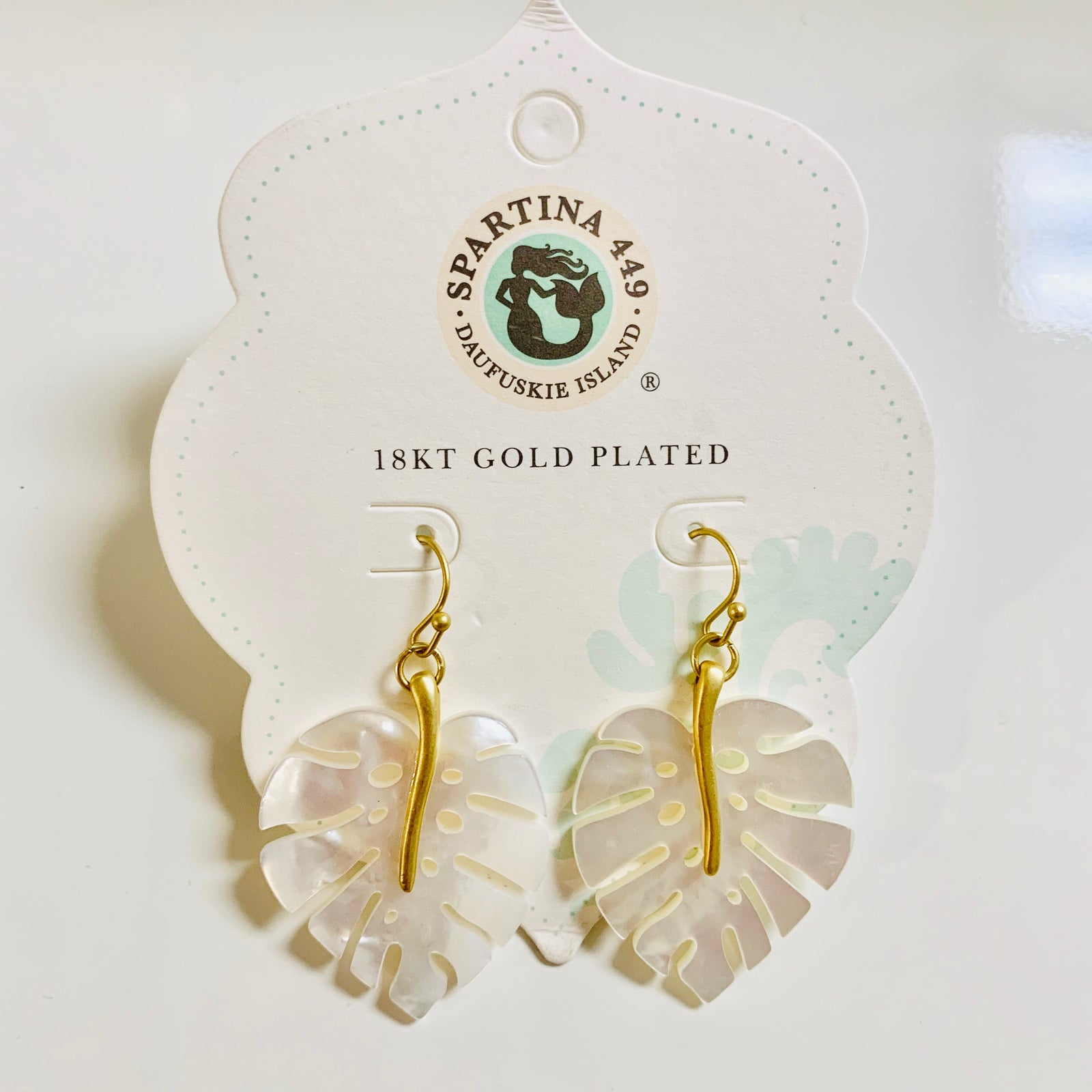 Monstera Earrings Pearlescent