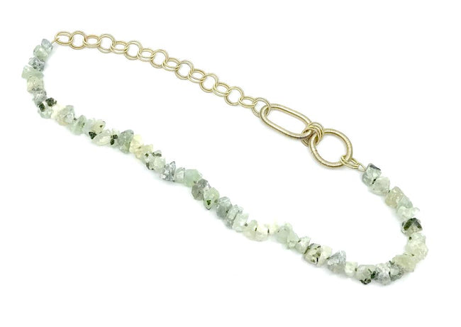 Long green garante necklace with gold p.w. rings