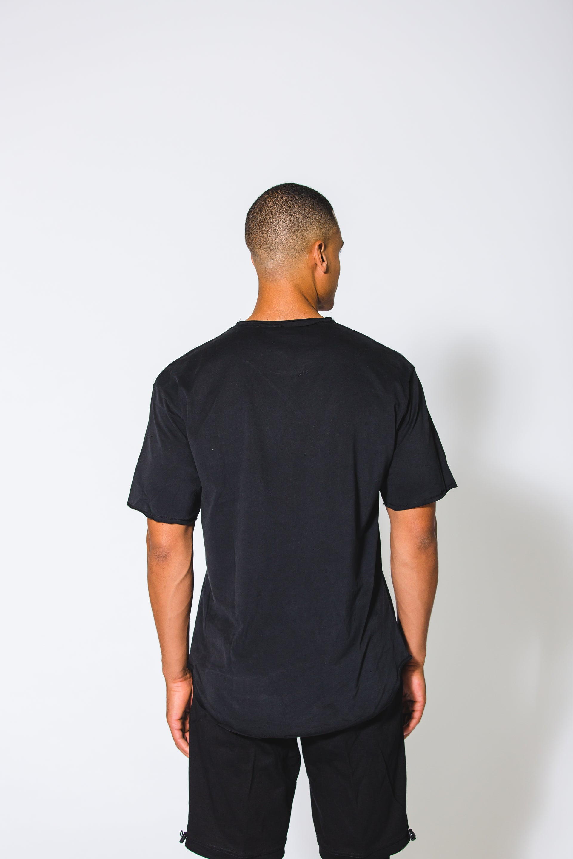 Essential Black Tee - Xeist