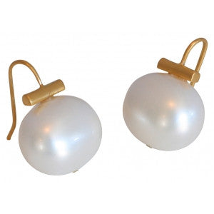 Catherine Canino White Pebble Pearl Earrings in 14 karat polished Gold