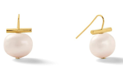 Catherine Canino Medium Pebble Pearl Earrings in 14 karat polished Gold