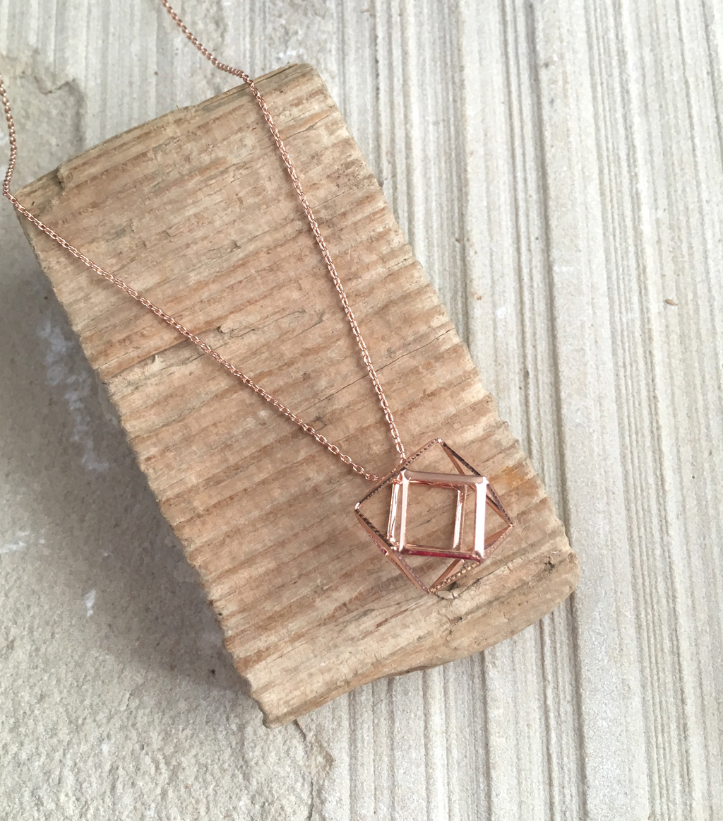 Dainty 3D HEXAGON PENDANT - ROSE