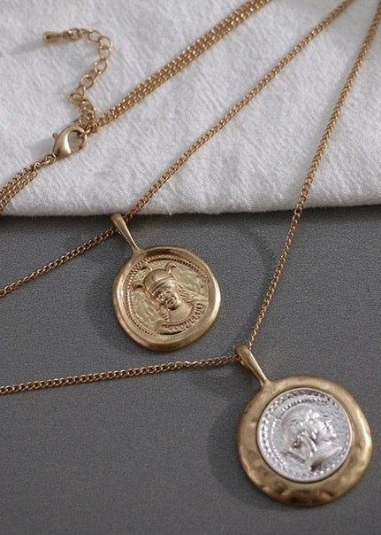 Portrait Pendants Necklace
