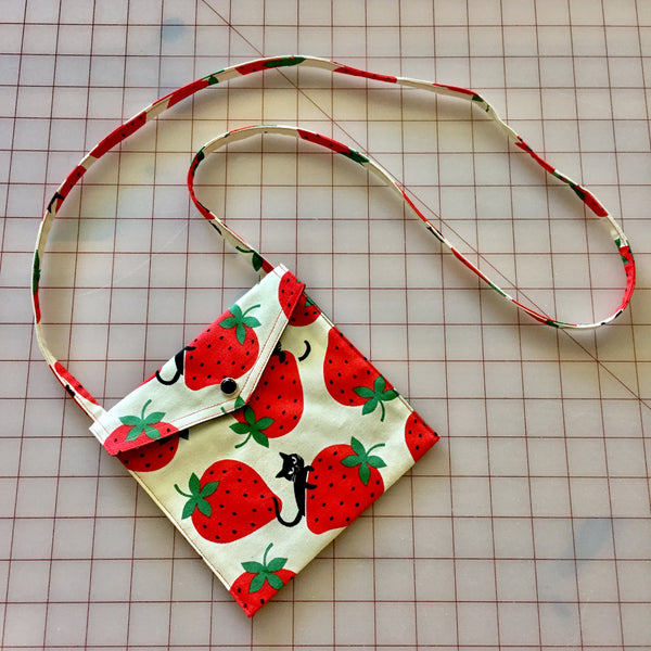 Strawberry Kitty in Natural Pearl Snap Bag