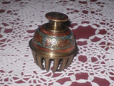 ANTIQUE ELEPHANT BELL BRASS VERY ORNATE 14 PRONG ORIGINAL PAINT - Back from the dead antiques
