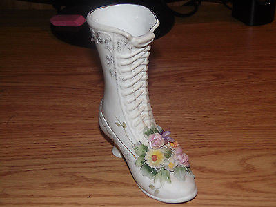 VINTAGE LEFTON CHINA BOOT APPLIED FLOWERS & LEAVES MINT HAND PAINTED