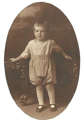ANTIQUE PHOTO ADORABLE LITTLE EDWARDIAN BOY NICELY DRESSED - Back from the dead antiques