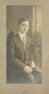 CABINET PHOTO CLEAN CUT VERY HANDSOME YOUNG GENTLEMAN WELL DRESSED - Back from the dead antiques