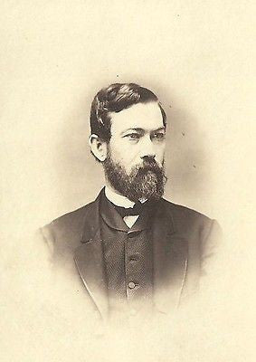 CDV PHOTO STURDY GENTLEMAN THICK BUSHY BEARD CIVIL WAR ERA BINGHAMTON NY - Back from the dead antiques
