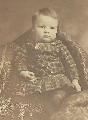 CDV PHOTO  HANDSOME LITTLE VICTORIAN BOY SEATED IN FANCY PLAID DRESS NY - Back from the dead antiques
