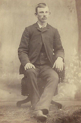 CABINET PHOTO CLEAN CUT YOUNG GENTLEMAN SEATED IN A CASUAL POSE - Back from the dead antiques