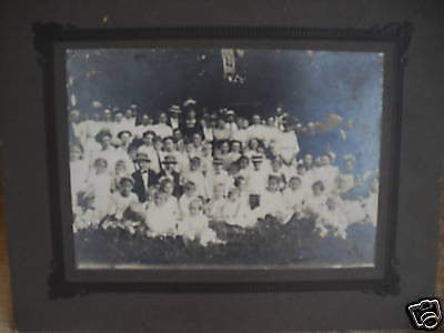 ANTIQUE VICTORIAN CABINET PHOTO OVER 50 PEOPLE PHOTO - Back from the dead antiques