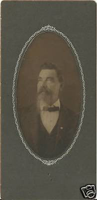 CABINET PHOTO GENTLEMAN POSING LONG BEARD & MUSTACHE - Back from the dead antiques