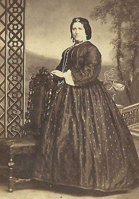 CDV PHOTO LOVELY VICTORIAN WOMAN HOOP DRESS LONDON - Back from the dead antiques