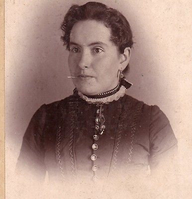 CABINET PHOTO LOVELY VICTORIAN WOMAN FANCY DRESS LINCOLNVILLE PA - Back from the dead antiques