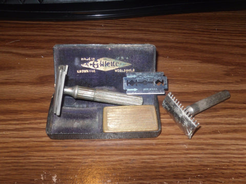 ANTIQUE GILLETTE SAFETY RAZOR W/ BOX & RAZOR CASE & MORE - Back from the dead antiques