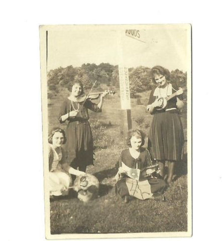 ANTIQUE PHOTO 4 WOMAN PLAYING INSTRUEMTS VIOLIN AT PUNXSAWTAWNY PA SIGN ID'D - Back from the dead antiques