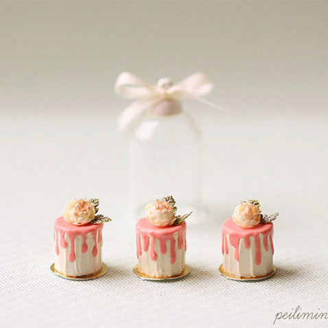 Romantic Rose Buttercream Mini Cakes