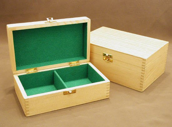 """Divided Pine Hinged Box, Fits Up To 4"""" King"""