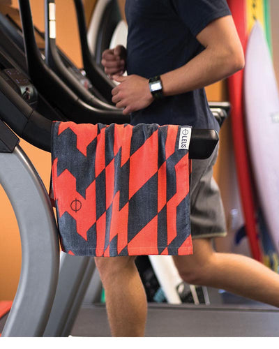 Distort Gym Towel - LEUS Towels
