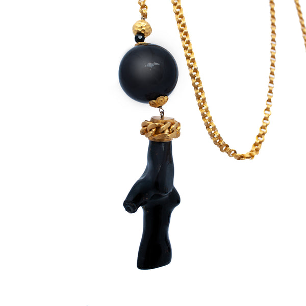 18K GOLD CHAIN, BLACK CORAL & ONYX LONG NECKLACE