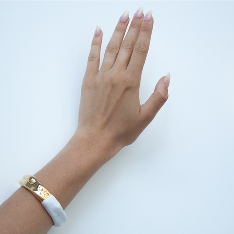 """WAVES"" FEMININE WHITE ENAMEL BANGLE"