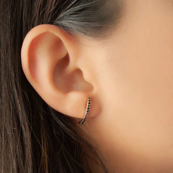 """Black Diamond Stitch"" Mono Earring"