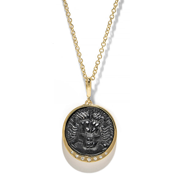 """Large Lion Scattered Diamond Coin Charm"""