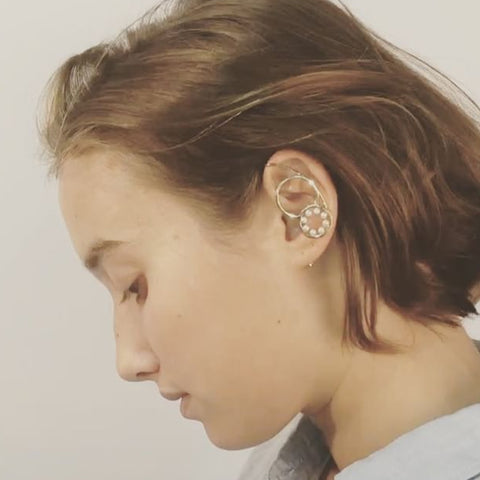 """DOUBLE BUBBLE"" MONO EARRING"