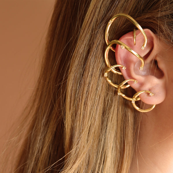 """STATEMENT FEMININE WAVES"" EAR CUFF"