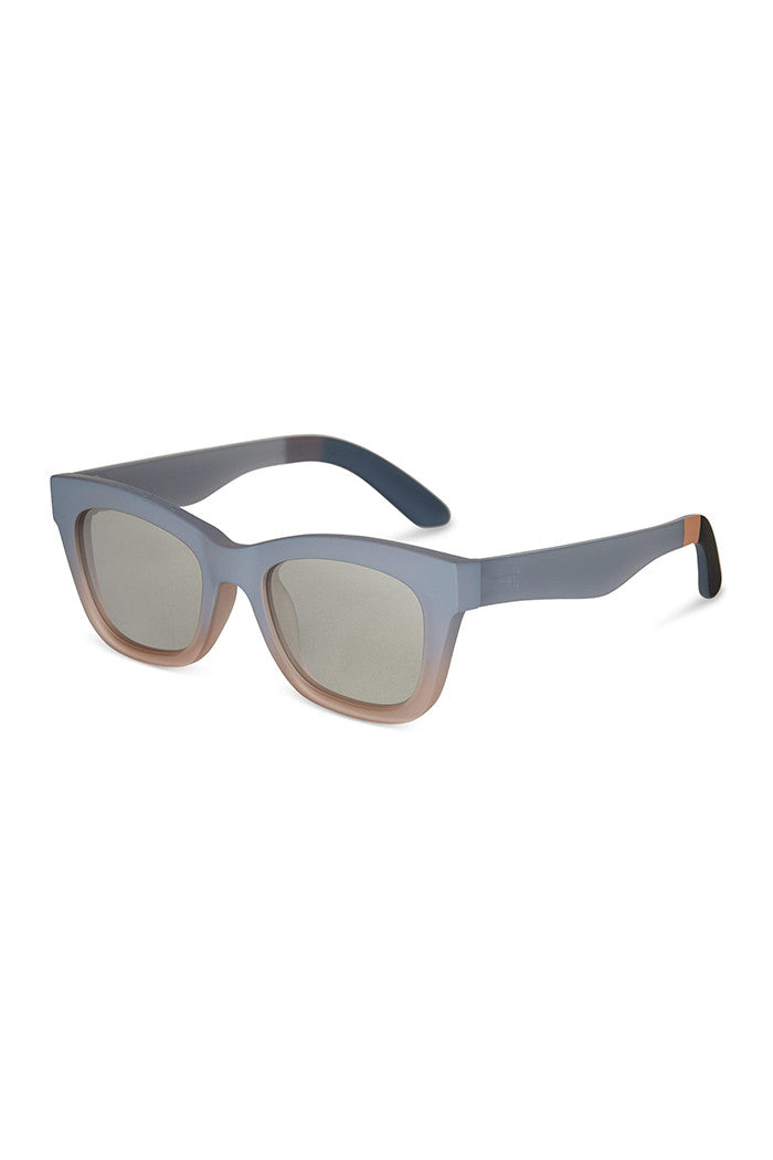 Traveler Paloma Matte Dusty Blue Sunnies