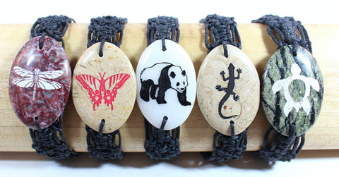 Semi-precious stone charm laser engraved with macrame band - Animal set - Atlas Goods