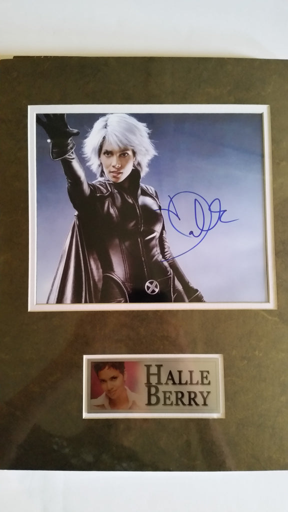 Signed photo of Halle Berry as Storm w/COA