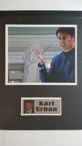 Signed photo of Karl Urban