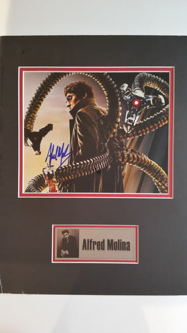 Signed photo of Alfred Molina