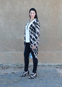 AMARIS Longline Cardi in Geometric